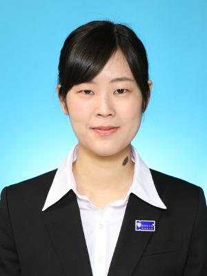経理部長:小宮 千夏